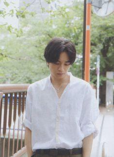 Kento Nakajima, Human Poses, Japanese, Actors, Sexy, Cute, Mens Tops, Random, Fashion
