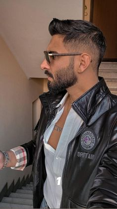 Stylish Mens Haircuts, Mens Hairstyles With Beard, Cute Hairstyles For Medium Hair, Haircuts For Men, Easy Hairstyles, Indian Hairstyles, Beard Styles For Men, Hair And Beard Styles, Short Hair Styles