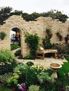 Garden Seating | Barley Sandstone Patio | Golden Fossil Walling | Country Garden Design | Landscaping