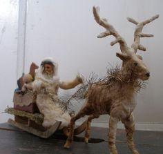 Weihnachtsmann auf Schlitten mit Rentier und Spielzeug      eBay