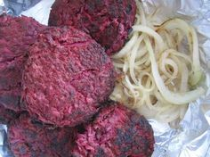 Lindströmin pihvit Pork Recipes, Cooking Recipes, Beetroot, Steak, Cabbage, Spaghetti, Beef, Vegetables, Ethnic Recipes