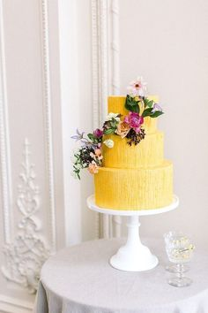 Colorful luxe spring wedding inspiration at the new Olana venue Dallas - 100 Layer Cake. Love these cheerful and bright yellow wedding cake! Crazy Wedding Cakes, Black Wedding Cakes, Floral Wedding Cakes, Unique Wedding Cakes, Wedding Cake Designs, Wedding Yellow, Cake Wedding, Yellow Weddings, Spring Weddings