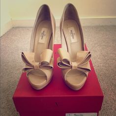 I just discovered this while shopping on Poshmark: Valentino Bow Pumps. Check it out!  Size: 7