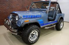 1983 Jeep Renegade looks like my old jeep Old Jeep Wrangler, Cj Jeep, Jeep Cars, Jeep Truck, Jeep Willys, Jeep Wranglers, Pickup Trucks, Jeep Cj7 Renegade, Jeep Garage