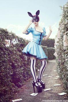 Pin-Up du jour – Pin-Up in Wonderland
