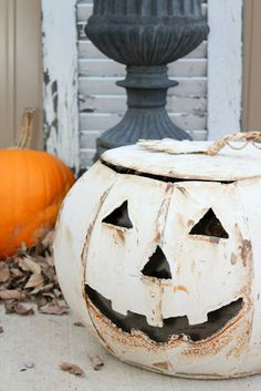 Have this metal jack-o'lantern in light green and love it!