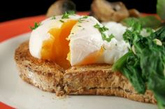 Poached Eggs, Spinach and Mushrooms | Trim Down Club