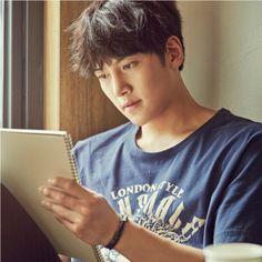 ❤❤ 지 창 욱 Ji Chang Wook ♡♡ that handsome and sexy look . Ji Chang Wook Smile, Ji Chang Wook Healer, Ji Chan Wook, Asian Celebrities, Asian Actors, Korean Actors, Celebs, Korean Dramas, Korean Star