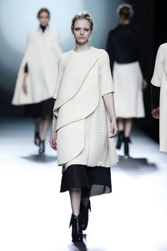 Amaya Arzuaga * Otoño-Invierno 2015/2016 * Mercedes Benz Fashion Week Madrid