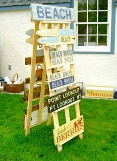 This style of A-frame works well for those wooden and metal vinyl signs