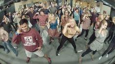 The Big Bang Theory Flash mob!, - Love Sheldon at the end!
