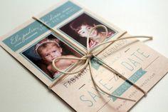 Save the Date: pré-convite impresso com fotos dos noivos quando eram crianças - Foto Patrícia Koeler