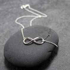 Infinity Necklace. Would love this for an anniversary gift <3