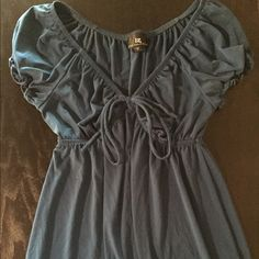 IZ Byer Medium Gray Short Sleeved Top Comfy blue/gray top with tie in the front, medium, stretchy Iz Byer Tops Blouses
