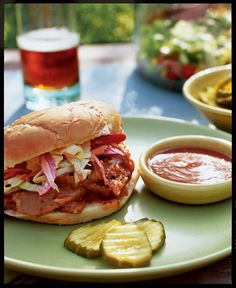 Carolina-style Barbecue Sandwiches (vegan)