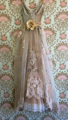 This dress, in white and without the big flower for the bride. taupe & blush organza chiffon appliqué boho princess wedding dress by mermaid miss k Vestidos Vintage, Vintage Outfits, Vintage Dresses, 1920s Style Dresses, Beautiful Gowns, Beautiful Outfits, Boho Chic, Boho Fashion, Vintage Fashion