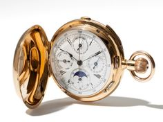 This highly valuable men's pocket watch probably originates from England and was produced during the second half of the 19th century. It has an 18 carat yellow gold watch case and is fitted with a crown winding movement. The watch has a white enamel dial with black Arabic and Roman numerals and a Chemin-de-Fer.