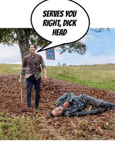 GLENN RHEE AND NEGAN! Walking Dead Funny, Fear The Walking Dead, Twd Memes, Funny Memes, The Walkind Dead, Glenn Rhee, Stuff And Thangs, Comic Book Covers, Movie Tv