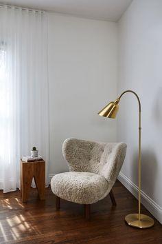 Nikolaj Coster-Waldau Brings Scandinavia to the Hollywood Hills Classic Furniture, Luxury Furniture, Furniture Design, Chair Design, Decoration Inspiration, Interior Inspiration, Room Inspiration, Home Living, Living Room Sofa
