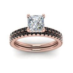 Get this amazing 14k rose gold princess cut diamond bridal set which is approx 1.37 Carats in weight. We provide you best affordable price. Buy Now! Choosing Your Engagement Ring, Moissanite Wedding Rings, Wedding Rings Rose Gold, Bridal Ring Sets, Bridesmaid Jewelry Sets, Princess Cut Diamonds, Beautiful Rings, Bridal Jewelry, Diamond Cuts