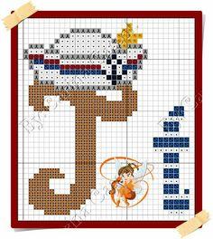 Boa sexta-feira!  Hoje o Mickey resolveu navegar por essas bandas    Aqui o gráfico     E aqui o monograma da minha fadinha amiga Carina ... Cross Stitch Sea, Cross Stitch Alphabet, Letras Do Mickey, Graph Paper Art, Alphabet And Numbers, Barbie Clothes, Baby Hats, Smurfs, Diy And Crafts