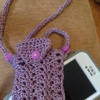 Iphone or (others phones) crocheted to w
