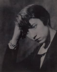 Berenice Abbott, Paris, 1924 -by Man Ray-Moving on to Europe in the 1920s, Abbott worked from 1925 to 1929 as a photographic assistant to May Ray in Paris. Through her work printing Man Ray's photographs, Abbott herself discovered her talent as a photographer. In 1926 Abbott had her first solo exhibition in the Parisian gallery, Le Sacre du Printemps. This exhibition featured Abbott's portrait photography in which she captured personalities associated with avant-garde art movements.