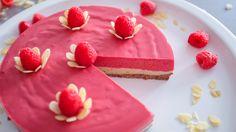 Malinový raw dort Raw Food Recipes, Cake, Desserts, Tailgate Desserts, Deserts, Raw Recipes, Kuchen, Postres, Dessert