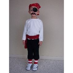 rrr pirate costume  sc 1 st  Pinterest & 100+ Simple Halloween Costumes That You Probably Have In Your Closet ...
