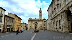 Ascoli Piceno - the City of 100 towers. The historic city centre of Ascoli is largely built out of marble, known as travertino (travertine), extracted from the surrounding mountains. Towers, Where To Go, Travel Ideas, Centre, The 100, Marble, Italy, Mountains, Building