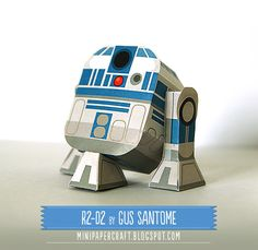 Free printable R2-D2 papercraft