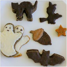 raw Halloween cookies for the kiddos - how cute are these!?