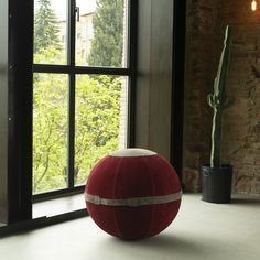 Aura Sitting Ball Santorini Black Maurizio Casini - Artemest Luxury Home Decor, Luxury Homes, Ottoman Stool, Sitting Area, Santorini, Pomegranate, Red, Black, Luxurious Homes