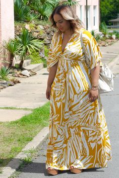 "beauticurve: ""A SUMMER MOMENT in RACHEL PALLY Summer is officially here and nothing is more perfect for this breezy, warm weather than a chic maxi dress! Plus Size Summer Dresses, Dress Plus Size, Curvy Outfits, Plus Size Outfits, Fashion Outfits, Moda Outfits, Looks Plus Size, Plus Size Model, Stylish Street Style"
