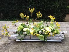 Pasen 2014 BLOM BLoemwerk Op Maat #Wageningen #Bennekom Easter Flower Arrangements, Easter Flowers, Diy Flowers, Spring Flowers, Flower Decorations, Floral Arrangements, Fleur Design, Funeral Flowers, Flower Quotes