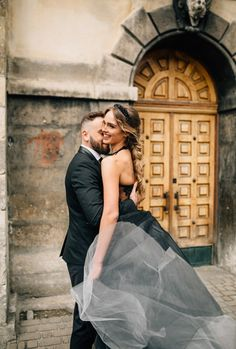 Black wedding dress for a dark, moody + romantic wedding styled shoot   fabmood.com