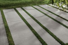 Kronos Outdoor Finitura Cemento is de tegelserie van Kronos voor de buitentegels met een stoere beton uitstraling. Door de bijzondere afmetingen krijgt u om huis een ruimtelijk effect.