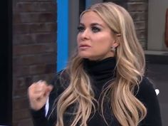 VIDEO: Carmen Electra Shares the Secret Behind the Iconic Baywatch Slow-Mo Run http://www.people.com/article/carmen-electra-demonstrates-slomo-baywatch-run