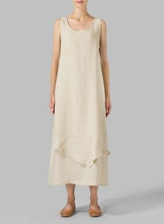 Casual cool, simple and regular loose fitting lines of this dress reveals a slash of color with layered construction. Plus Clothing, Size Clothing, Apron Dress, Dress Skirt, Plus Size Dresses, Plus Size Outfits, Modest Fashion, Fashion Dresses, Tunic Dress Patterns