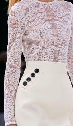 Welt pocket button detail
