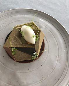 Did this mold together with @silikomartprofessional Chocolate bavaroise, roasted pumpkin cream, cherry, acidic milk sorbet. Thanks.! ✌#sogoodmagazine #vittsocker