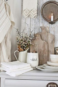 Lovely French Country Chic Farmhouse Decorating Ideas - Page 19 of 44 French Country Kitchens, French Country Bedrooms, French Country Farmhouse, French Country Style, Country Chic, French Cottage, Farmhouse Style, Rustic French, Farmhouse Design