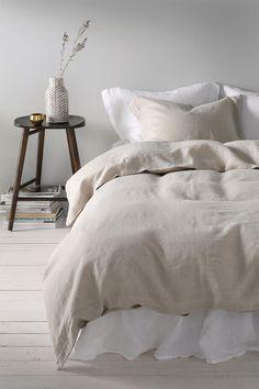 Sengesett Candice i vasket lin, 2 eller 3 deler Bedroom Inspiration Cozy, Bedroom Inspo, Bedroom Decor, Interior Inspiration, European Bedroom, Winter Bedroom, Peaceful Bedroom, Minimalist Room, Cozy Room