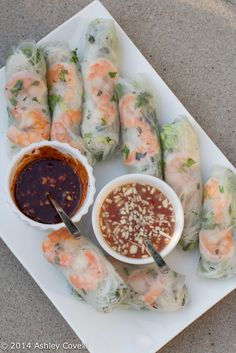 "Vietnamese Fresh Spring Rolls ""These spring rolls are refreshing. They are great as a cool summertime appetizer, and are delicious dipped in one or both of the sauces: peanut hoisin sauce and garlic chili lime dipping sauce. Seafood Recipes, Appetizer Recipes, Dinner Recipes, Cooking Recipes, Sauce Recipes, Tai Food Recipes, Recipes With Shrimp, Thai Appetizer, Italian Appetizers"