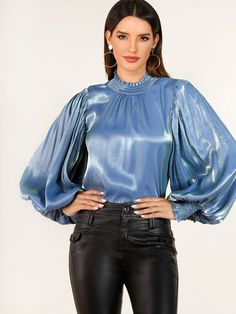 Blouse Sexy, Blouse And Skirt, Satin Shirt, Satin Blouses, Beautiful Blouses, Elegant Outfit, Lace Tops, Blouse Designs, Casual Wear