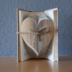 Large Heart with Vintage Key - Folded Book Art - Romantic Gift - Book Lover - Love - Recycled Art Recycled Books, Recycled Art, Book Lovers Gifts, Book Gifts, How To Make Bookmarks, Book Folding Patterns, Folded Book Art, Vintage Keys, Origami Art