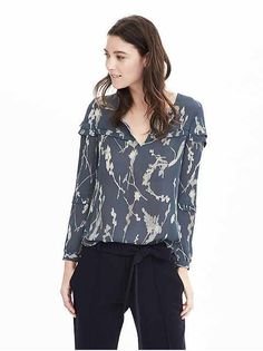 Women's Petite Blouses & Shirts. Find stylish silk blouses and fitted dress shirts in cotton & sateen   Banana Republic