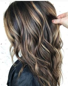 just say how much we love this balayage by Brittany Creech? We had to repost this one more time for that very reason ❤ just say how much we love this balayage by Brittany Creech? We had to repost this one more time for that very reas. Brown Hair Balayage, Brown Blonde Hair, Balayage Brunette, Highlights For Dark Brown Hair, Balayage Highlights, Dark Brown Hair With Highlights And Lowlights, Dark Brown Hair With Blonde Highlights, Short Balayage, Brunette Hair Color With Highlights