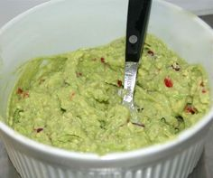 guacamole best quacamole healthy recipes healty food gezonde recepten - Another! Healthy Foods To Eat, Healthy Snacks, Healthy Eating, Healthy Recipes, Low Carb Brasil, Guacamole Recipe, Guacamole Dip, Tortillas, Tortilla Chips