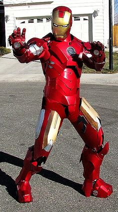 Iron Man, cosplayed by masterle247